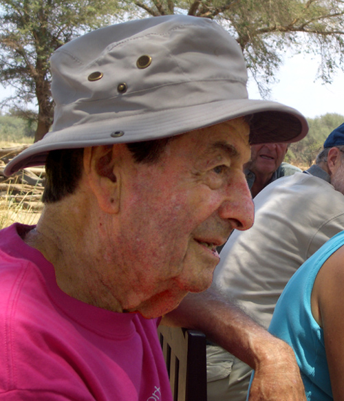 Les fisher on safari africa answerman for Dr leslie fish